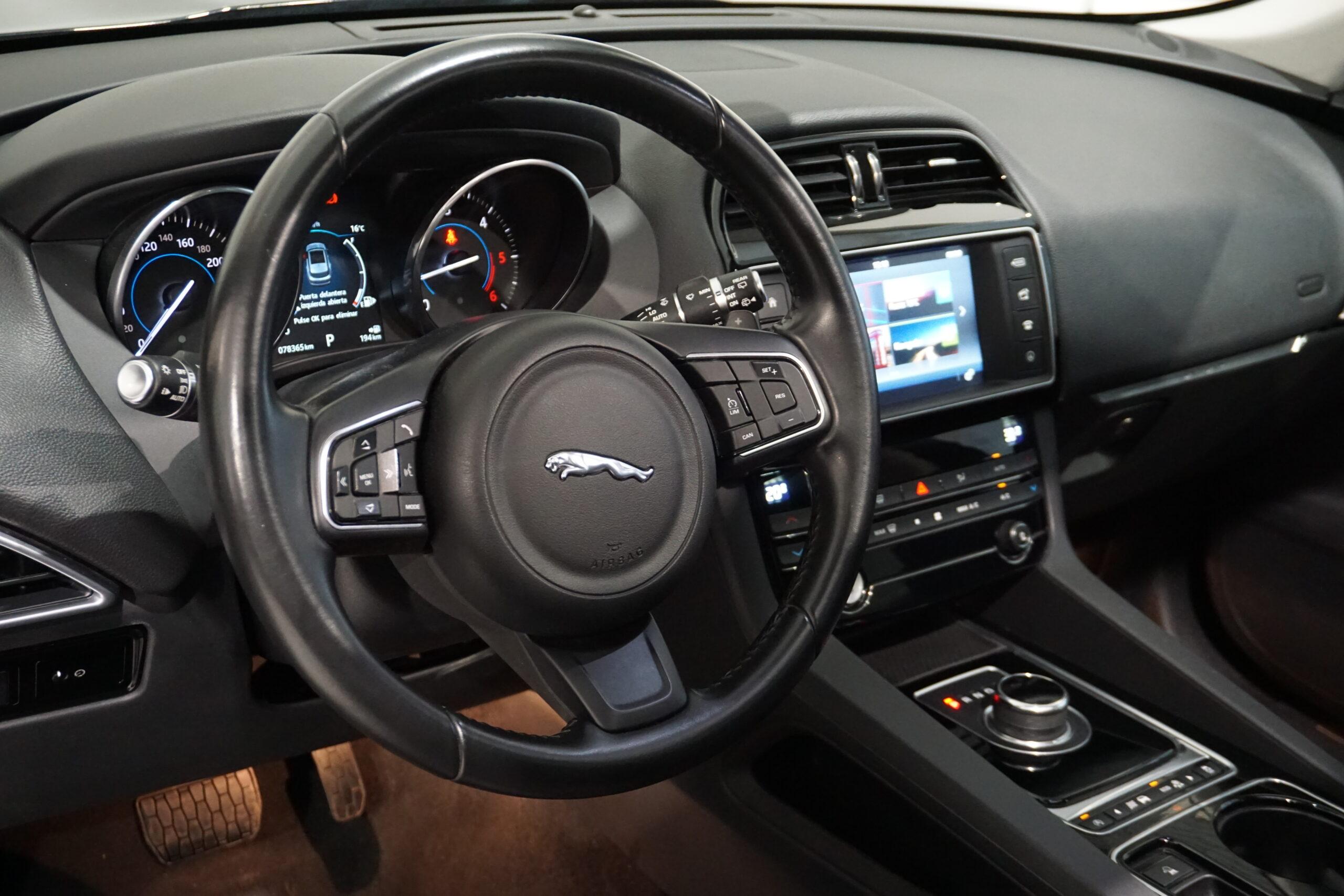 Jaguar F-Pace 2.0D 180CV AWD Portfolio
